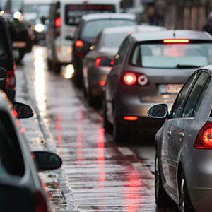 verschmutzte Verkehrsflächen